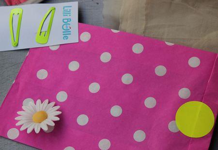 Vitrine néon-fluo pochette pois lilli bulle