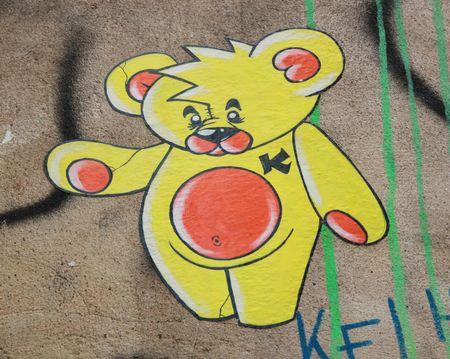 K ourson jaune main d'or 75011 Paris