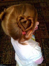 Cheveux coeur fillette