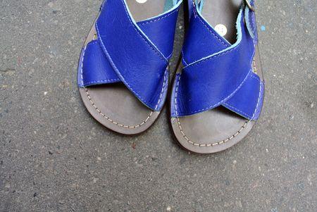 Sandales croisées bleu pèpè 4