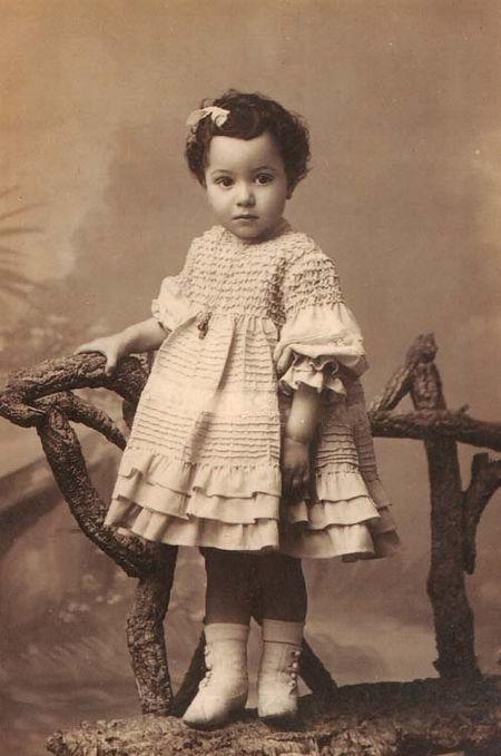 Le frère de ma grand-mère Antonio en 1910 au Portugal iris de petit karel
