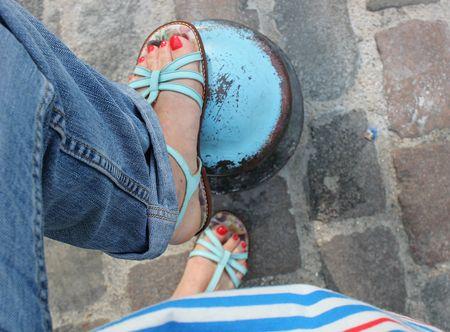 Pèpè sandales bleues et tunique rayée whipcream