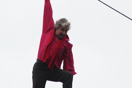Funambule Denis Josselin traverse la Seine 8