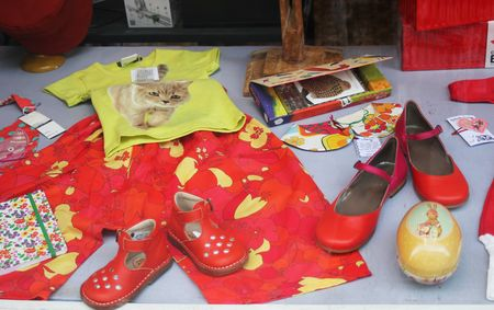 Vitrine couleurs toniques rouge jaune orange lilli bulle 2