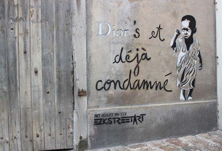 EZK street art diors et déjà condamné la rochelle