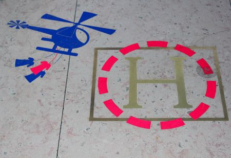 Sur le sol de la boutique Hermés à Paris