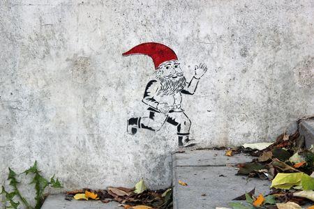 Petit lutin au bonnet rouge Ivry sur Seine