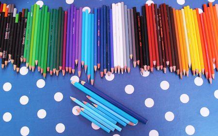 JOUR 242 Tri des crayons